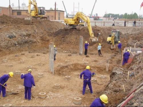 工程建筑资质办理违反规定吗?